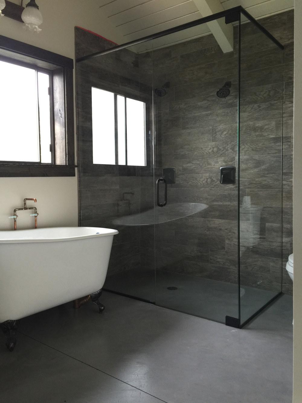 Tub door and panel - Teton Glass